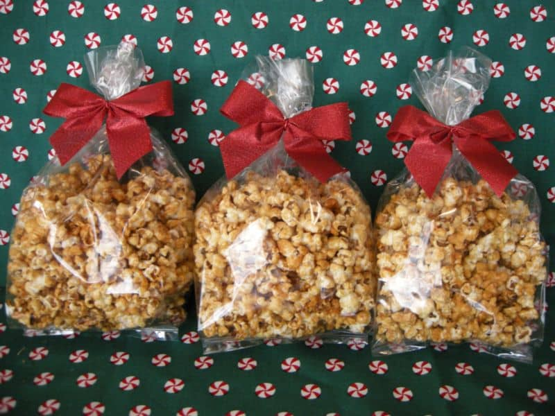 Homemade Caramel Corn Fights Thanksgiving Munchies