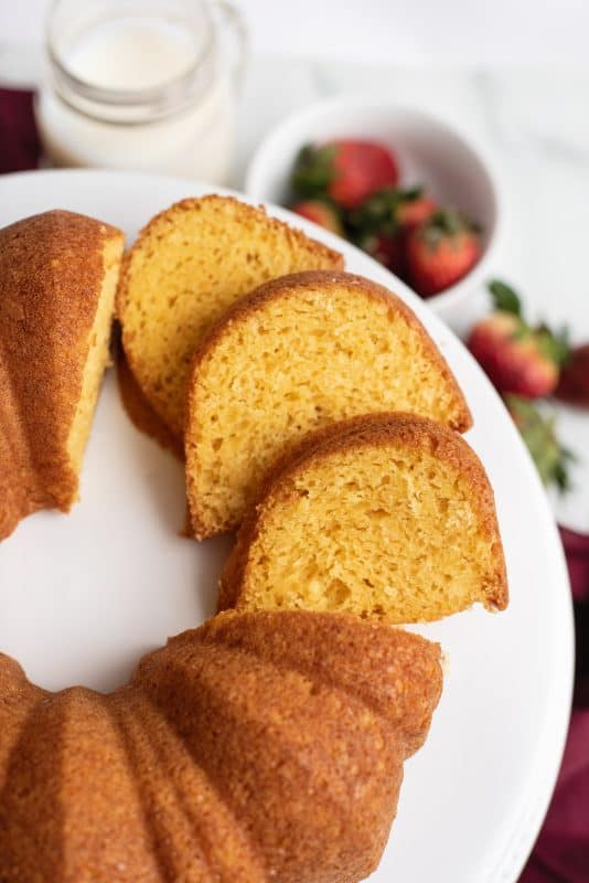 Simple cake plain