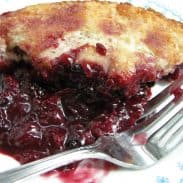 Old Fashioned (AND SUPER EASY) Berry Cobbler