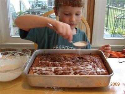 Lane's honey bun cake 012