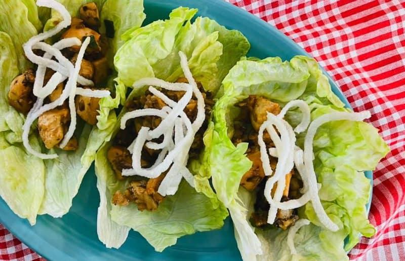 chicken lettuce wraps closeup