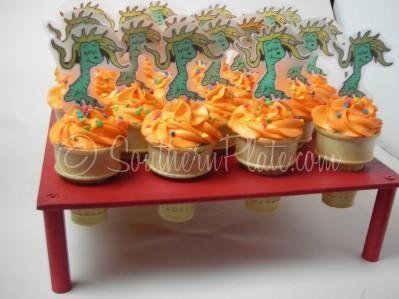 photo regarding Wocket in My Pocket Printable named Dr. Seuss Wocket Inside My Pocket Cupcakes! *Wocket Cupcake