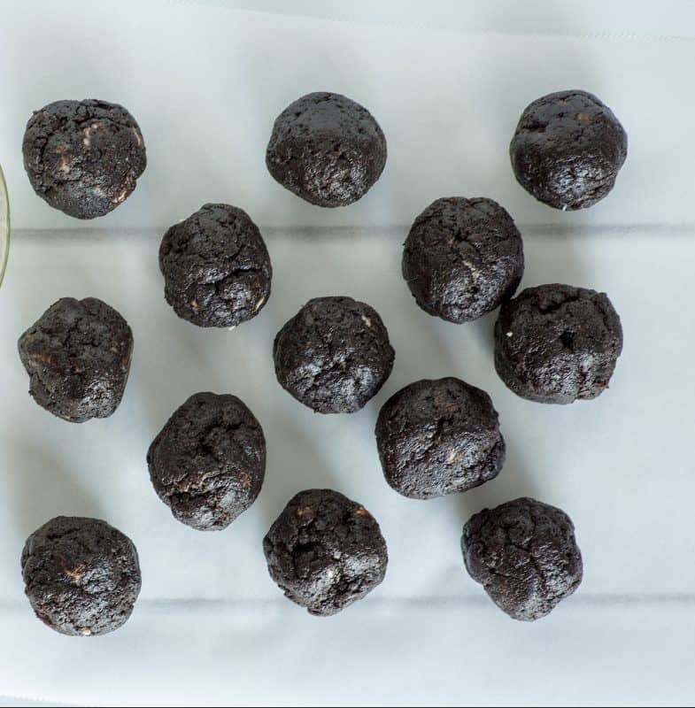 Oreo Cookie Balls- 3 Ingredient Easy!