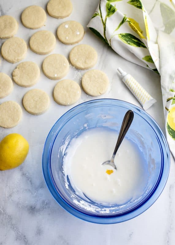 icing for lemon blossom cookies