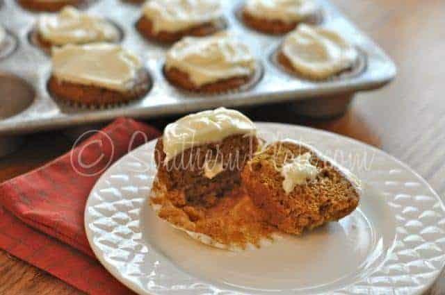 pumpkin roll cupcakes
