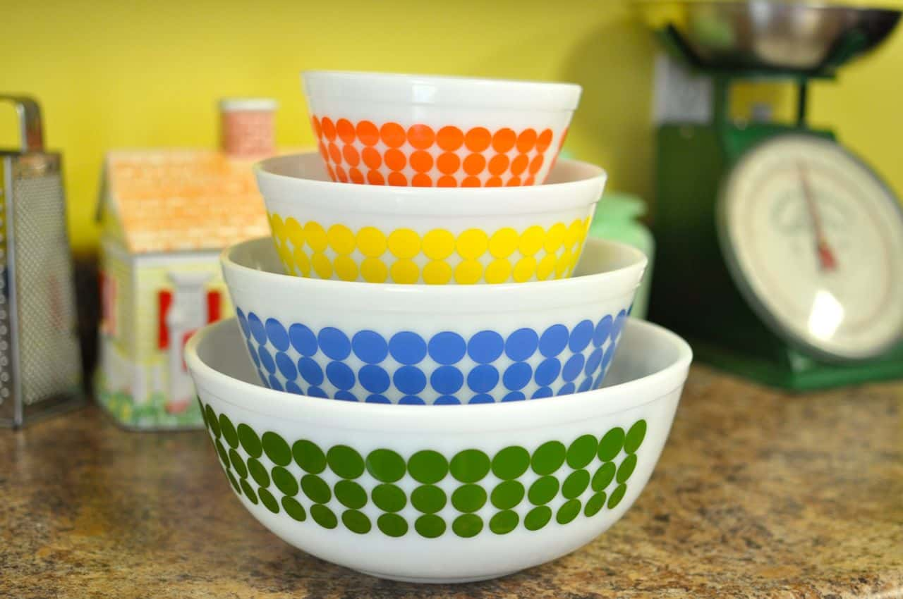Stack ... & Confessions of a Pyrex Hoarder Part 1: Why Pyrex and How to Display ...
