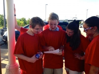 How to Plan A Scavenger Hunt For Teens