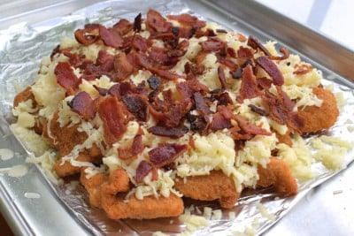 Cheesy Bacon Pull Apart Chicken - This is my version of that amazing Cheesy Bacon Pull Apart Chicken they have at Domino's!