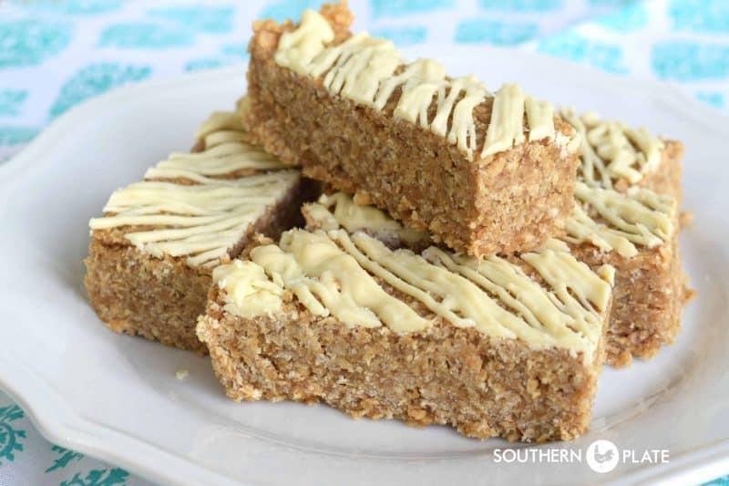Refrigerator Peanut Butter & Milk Granola Bars - Healthy breakfast or energy filled snack!
