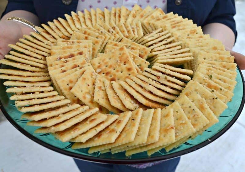 Aunt Looney's Easy Peasy Party Crackers