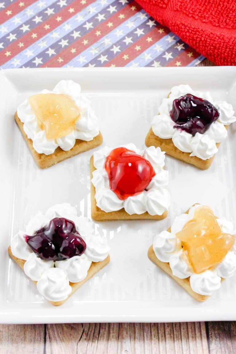 Easy Fruit Pie Cookie Bites - one of over 70 of the best pie recipes, everyone's favorite holiday dessert!