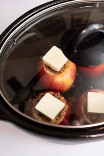 Apples in slow cooker.