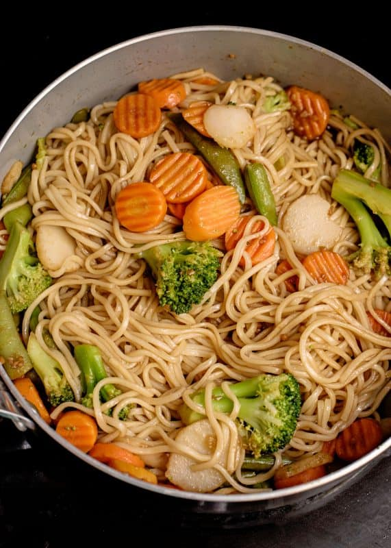 Lo Mein cooking