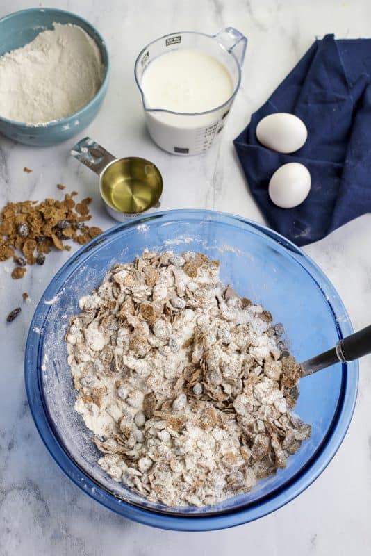 raisin bran muffin dry ingredients in bowl