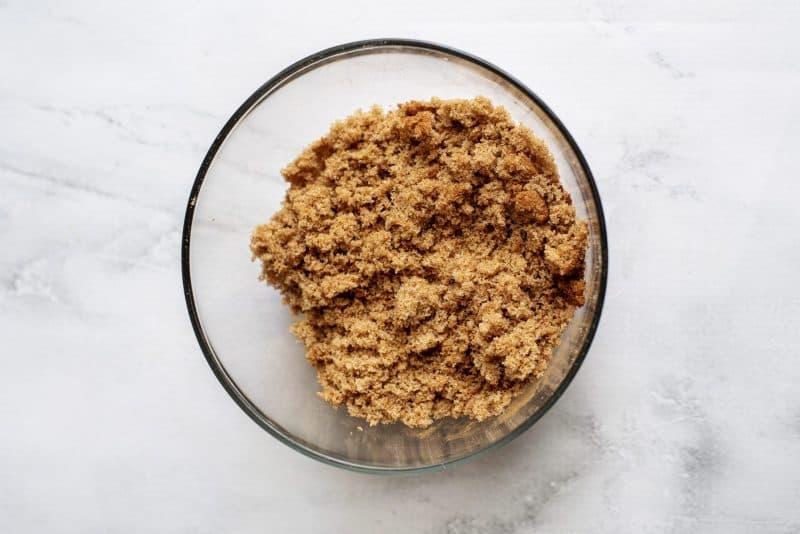 topping cinnamon cobbler