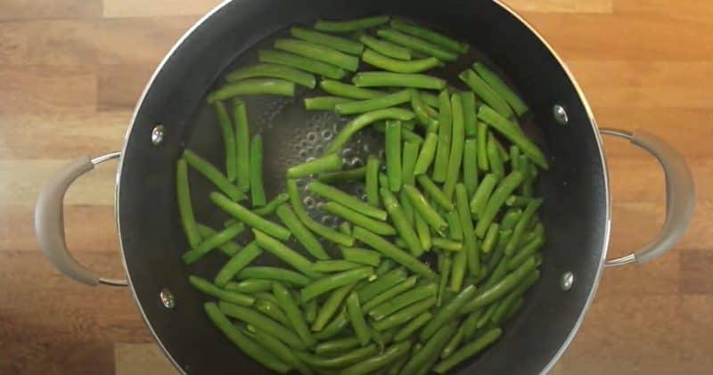 boiling green beans