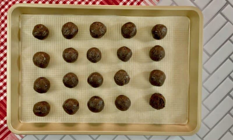 fill up a tray with oreo balls