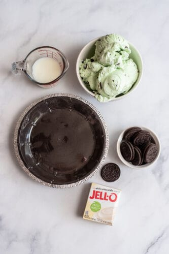 All ingredients used in Mint Oreo Ice Cream Pie Recipe.