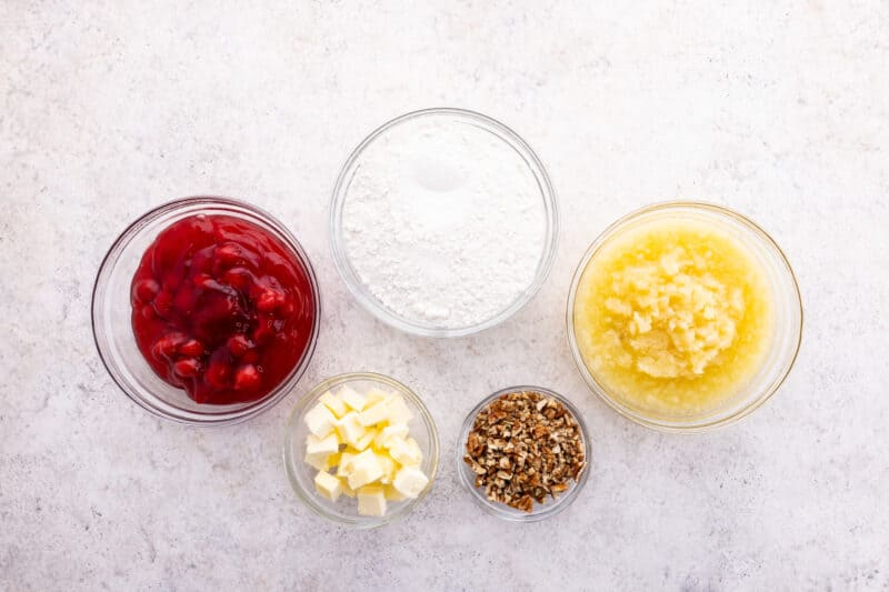 Cherry pineapple dump cake recipe ingredients.